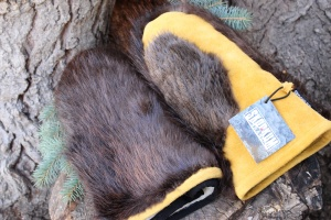 Skookumbrand® Moosehide and Beaverfur Mitts Natural